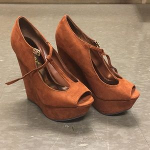 Fall Brown Platform Wedges
